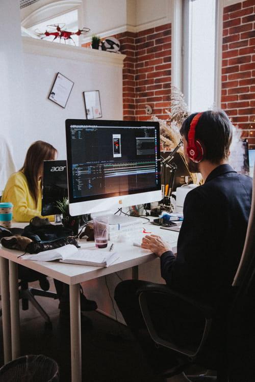 ما شرکت طراحی و توسعه و سئو وب سایت هستیم